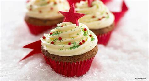 cute christmas desserts cute christmas cupcakes an easy dessert recipe