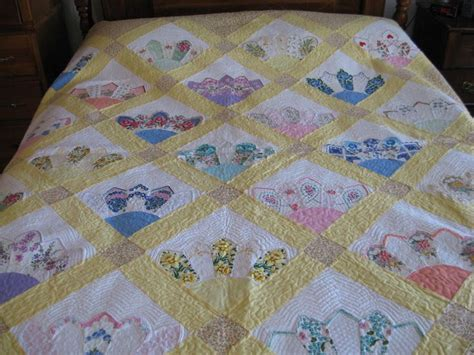quilt pattern using handkerchiefs 190 best vintage doilies handkerchiefs quilts more