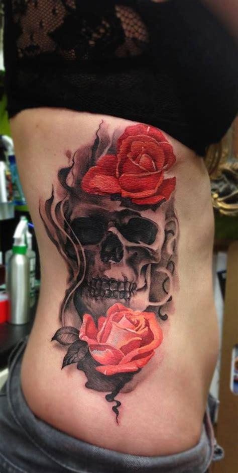 tatuajes de calaveras y rosas tatuaje calavera y rosas en el torso de mujer car