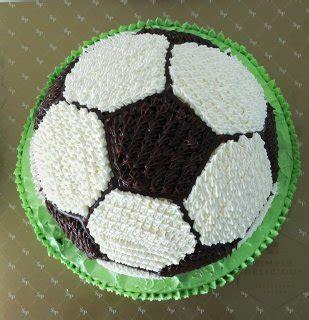 cara membuat kue ulang tahun lapangan bola ide kue ulang tahun sepak bola untuk penggila bola