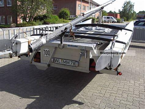 cat trailer moetefindt cat trailer 750 kg with hobie cat 1985 boat