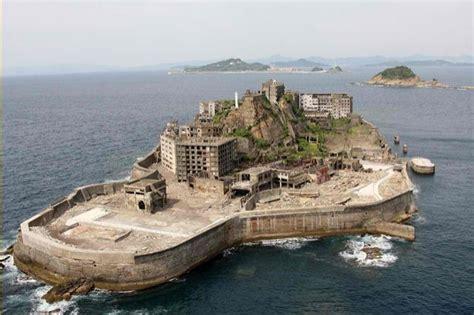 the bond villain s lair skyfall s abandoned island