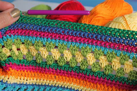 decke umhäkeln anleitung kostenlos schoenstricken de cal regenbogen babydecke teil 2