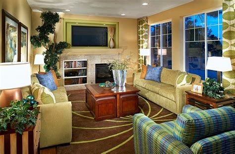 Yellow Blue And Green Living Room Blue Green And Yellow Living Room Www Pixshark