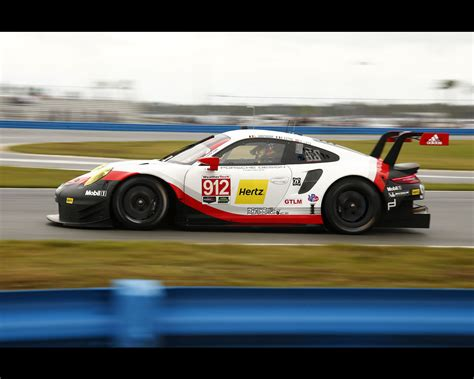 porsche gt3 rsr 2017 porsche 911 rsr and 911 gt3 r at 2017 imsa daytona 24 hours