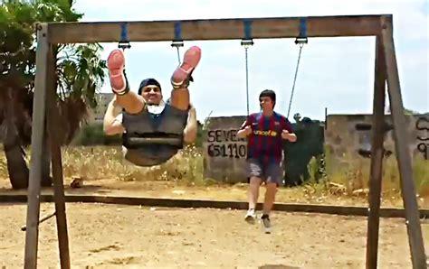 golf swing for fat guys big guy s epic golf swing fail fail video ebaum s world