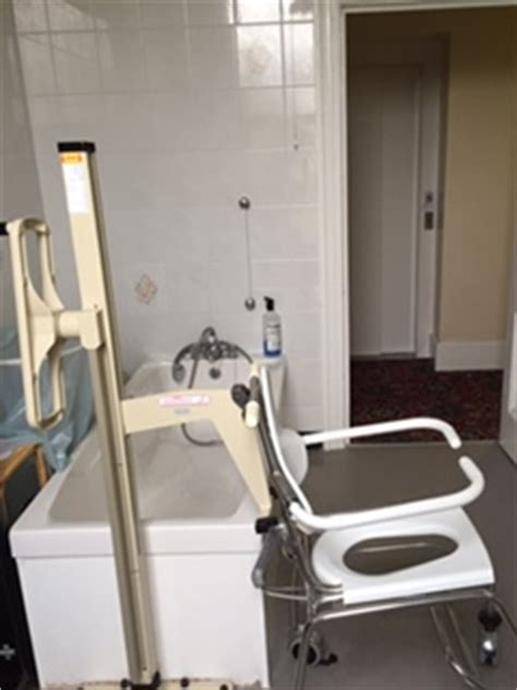 antonio bathroom flexing halsdown house facilities