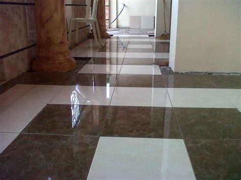 motif keramik granit lantai rumah renovasi rumahnet