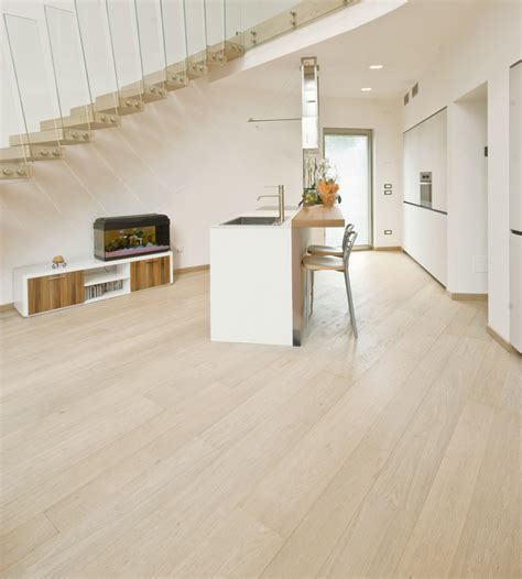 pavimenti in legno rovere sbiancato offerta parquet prefinito 2 strati rovere maffei sistemi