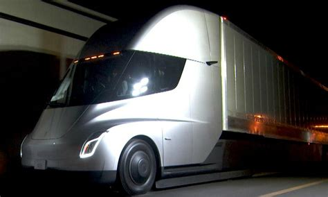 electric semi truck ontario introduces 75k incentive for electric semi trucks