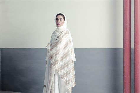 Fashion Design Qatar | qatar fashion designers offer new twist on abaya designs