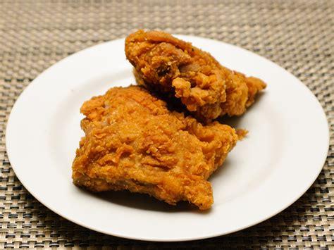 come si cucina il pollo fritto 3 modi per riscaldare il pollo fritto wikihow