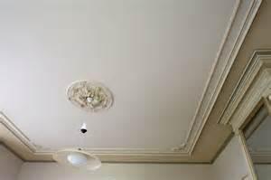 8 conseils pour peindre un plafond soumission renovation