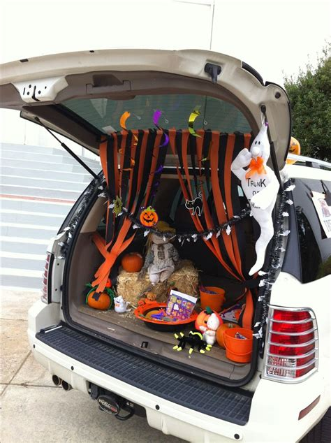 halloween trunk themes trunk or treat decorating ideas trunk or treat