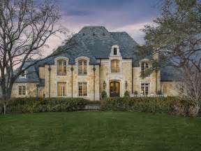 25 luxury home exterior designs page 2 of 5 25 luxury home exterior designs page 4 of 5