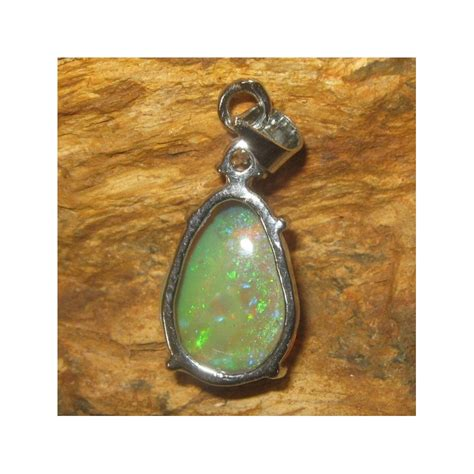 liontin batu opal pear shape 3 37 carat exclusive