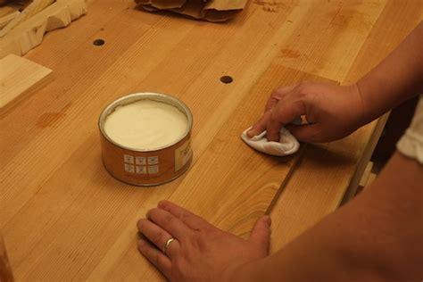 Best Wax For Wood Furniture by Cedar Rustic Table Plans Garage Locker Plans Wood Wax Finish