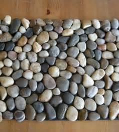 how to make a diy pebble bath mat 187 curbly diy design