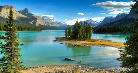 most beautiful places to visit 25 most beautiful places to visit in canada