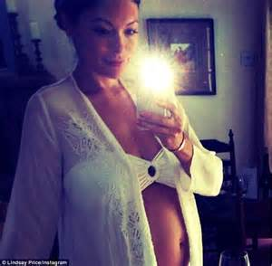 Curtis stone s wife lindsay price reveals her blooming bump in social