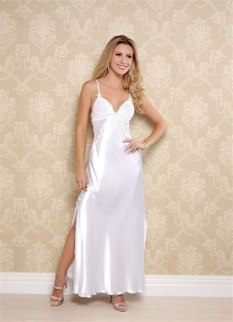 lingerie de satin 67 best satin night dresses images on pinterest satin