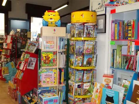 libreria atlantide leggi la notizia libreria quot atlantide quot 20 anni di libri