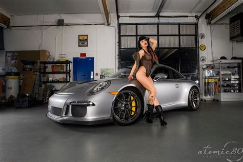 pics of porsches posing with cars can we if we don t get