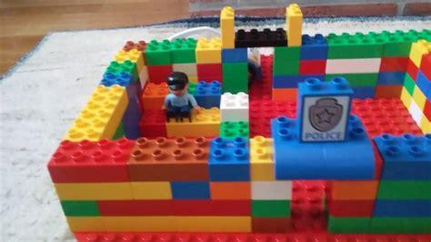 huis bouwen van duplo grote lego blokken gebouwen bouwen 1 voetbalstadion 2 een