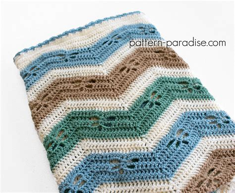 chevron baby blanket free crochet pattern from red heart free crochet pattern dragonfly chevron baby blanket