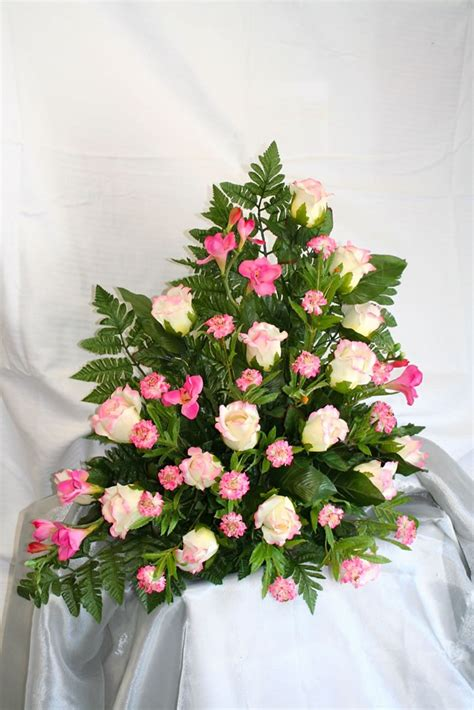 composizione floreale fiori finti rosa composizioni floreali