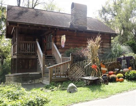 Honey Cabin Pigeon Forge by Pigeon Forge Cabins For Two Mountain Air Cabin Rentals