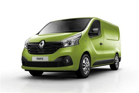 Renault Trafic by Voici Les Nouveaux Renault Trafic Opel Vivaro 2014