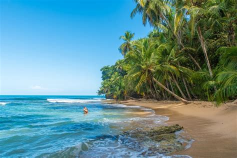 imagenes medicas la california costa rica 15 reasons why you should visit the world s happiest
