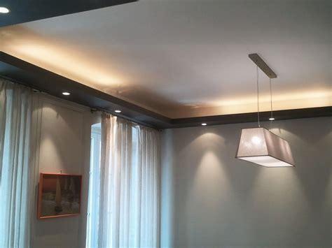 Comment Réaliser Un Faux Plafond by Cuisine R 195 169 Aliser Une Corniche Lumineuse Au Plafond