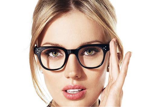 tips memilih kacamata sesuai bentuk wajah tips dokter cantik