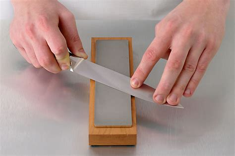 how to sharpen knife with how to sharpen a knife with a whetstone
