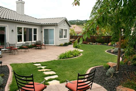 exterior landscaping beautiful gardening front yard views with green grass and
