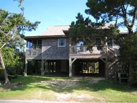 North Carolina Outer Banks Beach House Rentals - beach therapy is a 2 bedroom rental house in ocracoke part of the outer banks of north carolina