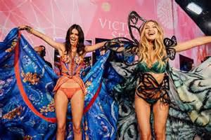 Kendall gigi victoria secret fashion show angels kendall gigi victoria