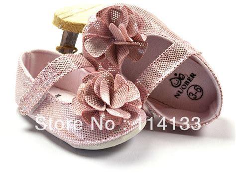 como decorar zapatos para niñas de bebes nias cheap cuadros infantiles con el nombrenia