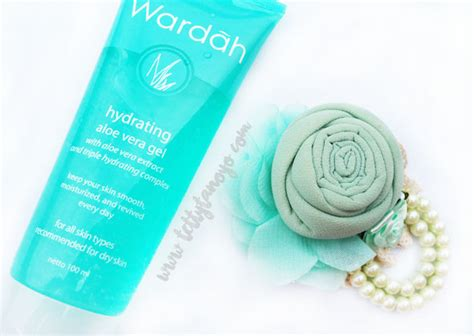 Wardah Hydrating Gel review produk solusi kulit kering wardah hydrating aloe