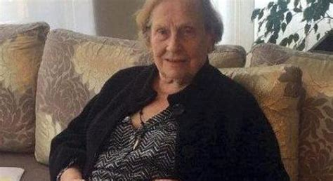 zia scopata in cucina nonna italiana scopata dal nipote
