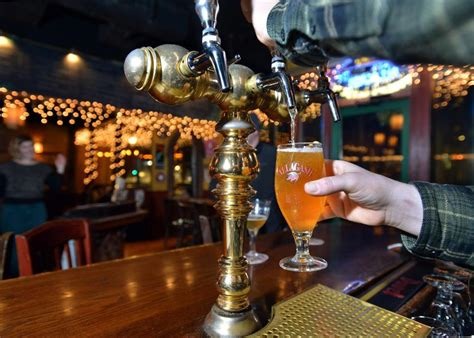 top 10 bars in boston the 10 best beer bars in boston