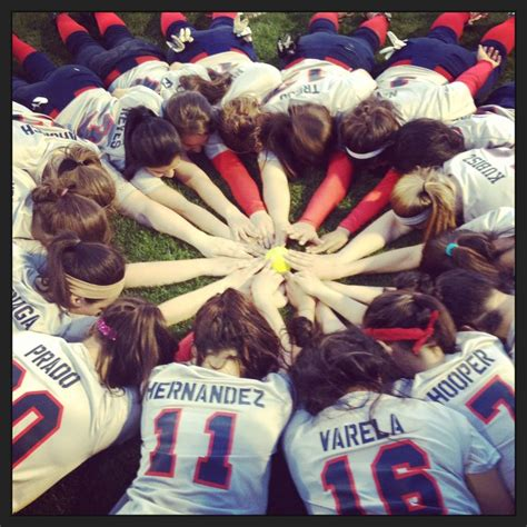 ideas for pictures softball team picture idea everything quot girls softball