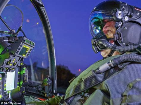 Headl Set New Vixion Advace reality helmet will let fighter pilots see