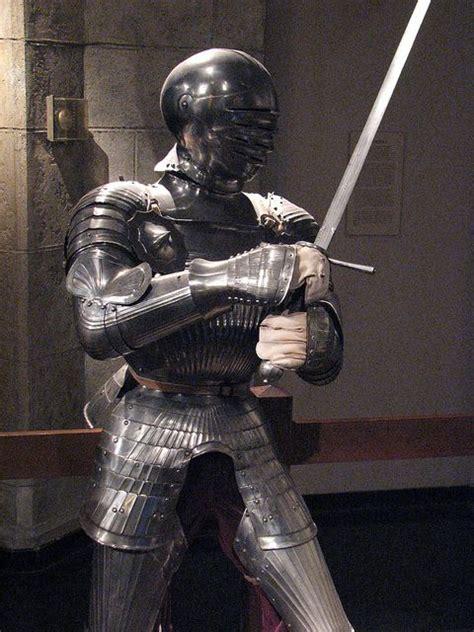 armour and swords inside the maximillian field armor https darksword armory