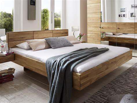 Schlafzimmer 200x220 Massivholzbett Aus Wildeiche In Schwebeoptik Terrano