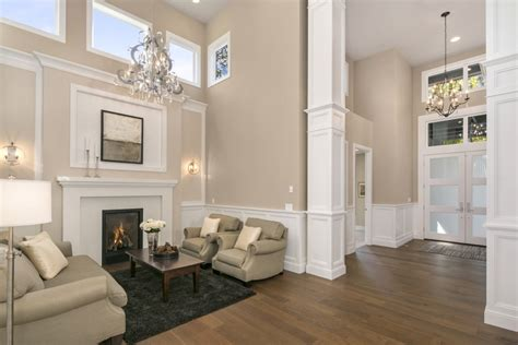 Wainscoting In Living Room by 10 Rooms With Beautiful Wainscoting