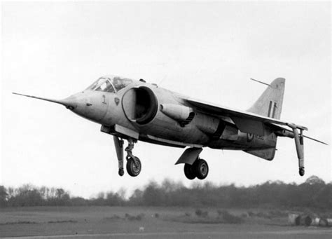 hawker p 1127 kestrel and 0750965304 a brief history of v stol combat aircraft part i from the kestrel to the supersonic sixties