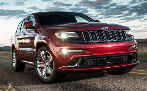 jeep grand cherokee srt 2014 jeep grand cherokee srt track drive motor trend